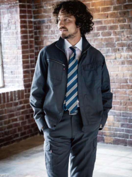 男女兼用・シーンを選ばないオールランド機能性ジャケット