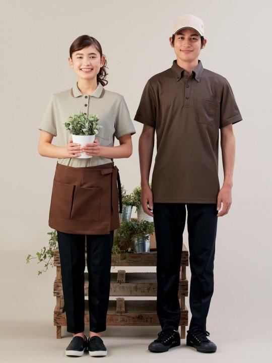 アースカラーのポロシャツスタイル