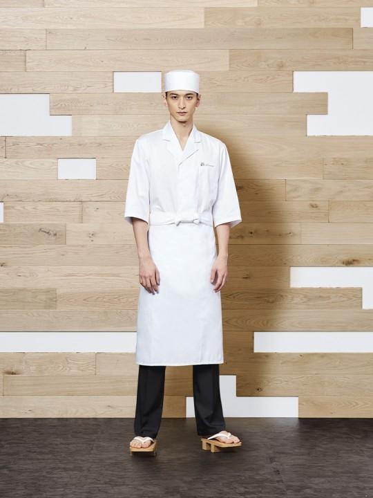 清潔感あふれる和の白衣スタイル