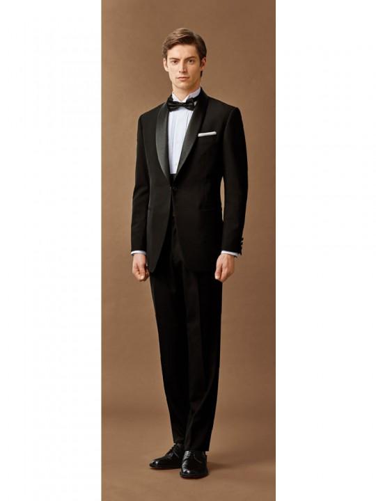 洗練された紳士のタキシードスタイル